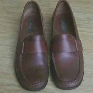 Bass Weejun loafers size 8